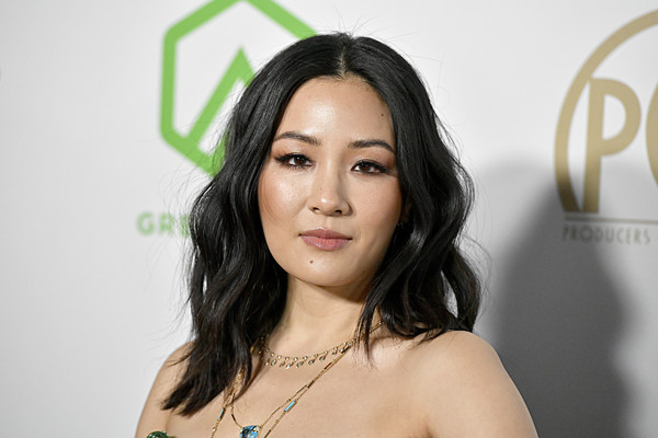 Constance Wu Long Wavy Cut [hair,face,eyebrow,skin,lip,beauty,hairstyle,lady,black hair,head,arrivals,constance wu,hollywood palladium,los angeles,california,annual producers guild awards,constance wu,hustlers,los angeles,actor,producers guild of america award,fresh off the boat]