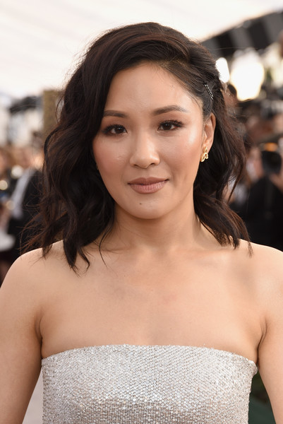 Constance Wu Beige Lipstick [red carpet,hair,face,hairstyle,beauty,skin,shoulder,eyebrow,lip,lady,chin,constance wu,screen actors guild awards,screen actors\u00e2 guild awards,california,los angeles,the shrine auditorium]