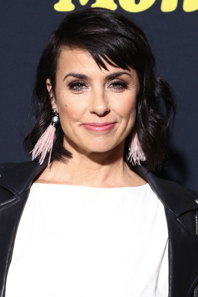 Constance Zimmer Short Wavy Cut [hair,hairstyle,face,eyebrow,lip,black hair,chin,forehead,nose,beauty,arrivals,constance zimmer,the theatre,california,los angeles,ace hotel,showtime,premiere,black monday,premiere]