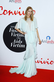 Elena Perminova was hard to miss in this frothy ice-blue mermaid gown by Francesco Scognamiglio at the Convivio 2016 photocall.