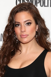 Ashley Graham looked very feminine with her long curls at the Cosmopolitan Fun Fearless Money 2016.