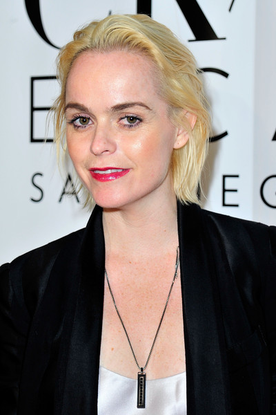 Taryn Manning attended Comic-Con International 2015 wearing her hair in a casual bob.