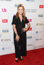Lea Thompson attended the 2018 Television Industry Advocacy Awards wearing a simple black jumpsuit.