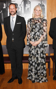 Princess Mette-Marit looked lovely in a monochrome print gown by Ole Yde at the Nordic Council Literature Prize.