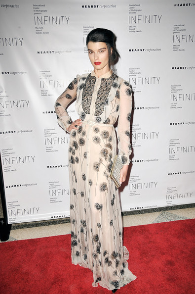 Crystal Renn Shirtdress [crystal renn,red carpet,clothing,fashion model,dress,carpet,flooring,fashion,premiere,fashion design,formal wear,pier sixty,new york city,chelsea piers,international center of photography infinity awards]