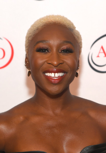 Cynthia Erivo Short Curls [hair,face,hairstyle,facial expression,lip,eyebrow,skin,head,chin,beauty,cynthia erivo,hope rising benefit,association for frontotemporal degeneration,tony award,new york city,the pierre hotel,the association for frontotemporal degeneration]