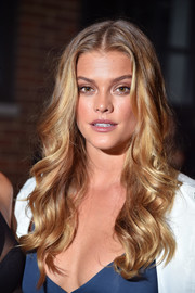 Nina Agdal went ultra glam with this wavy hairstyle for the DKNY fashion show.