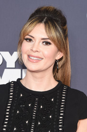 Carly Steel fixed her hair into a '60s-inspired half-up style for the New York premiere of 'Daddy's Home.'
