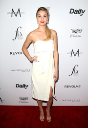 Whitney Port kept it breezy at the Fashion Los Angeles Awards in a strapless white Alexis dress with a layered bodice and a split skirt.