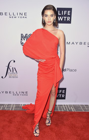 Amanda Steele cut a chic figure in a red one-shoulder gown by Rhea Costa at the Daily Front Row's Fashion Media Awards.