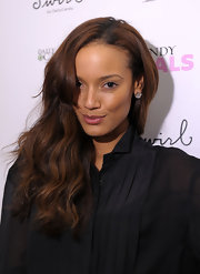 Selita Ebanks accentuates her pucker with glossy nude lipstick.