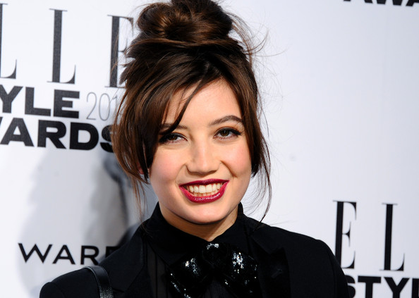 Daisy Lowe Berry Lipstick [arrivals,daisy lowe,elle style awards,part,hair,face,hairstyle,facial expression,eyebrow,lip,beauty,chin,forehead,skin,london,embankment,england]