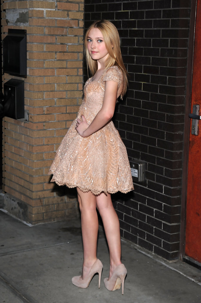 Dakota Fanning Heels October 2017