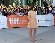 Keira finished off her look with a pair of simple nude pumps with a slight platform.