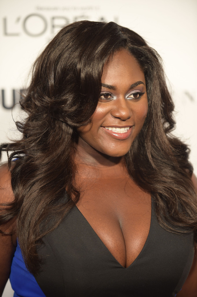 Danielle Brooks Feathered Flip Long Hairstyles Lookbook