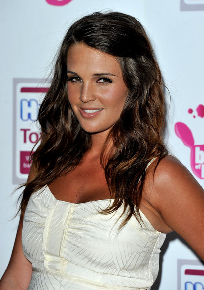 Danielle Lloyd Long Wavy Cut