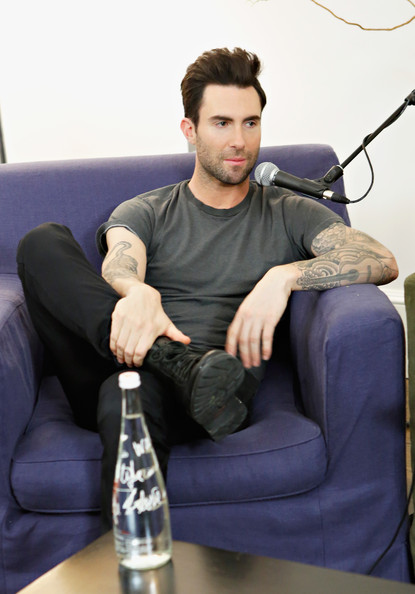 More Pics of Adam Levine T-Shirt (1 of 18) - T-Shirt Lookbook - StyleBistro