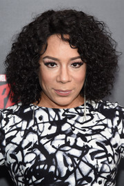 Selenis Leyva attended the 'Daredevil' season 2 premiere wearing her hair in tight curls.