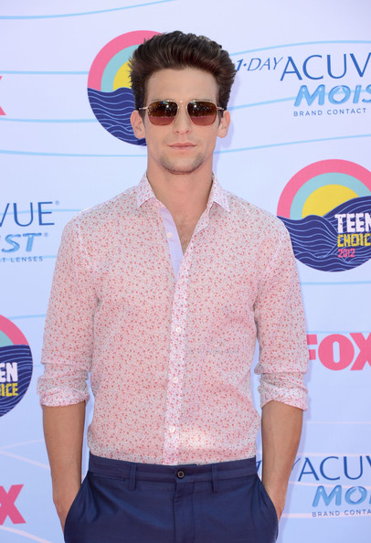 Daren Kagasoff Clothes