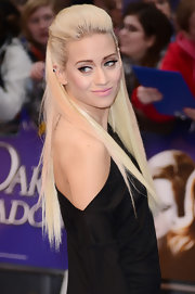 Kimberly Wyatt wore her ultra-long platinum hair in a voluminous half-up style.