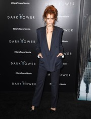 Abbey Lee's navy pantsuit at the New York premiere of 'The Dark Tower' was a perfect blend of menswear-chic and sexy!