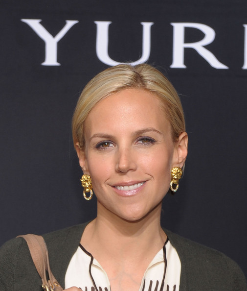 Designer Tory Burch showed off her classic style while hitting the David Yurman event in New York City. She showed off a pair of eye-catching gold earrings.
