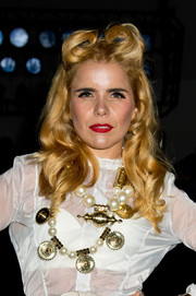 Paloma Faith went for elaborate styling with this chunky gold and pearl statement necklace.