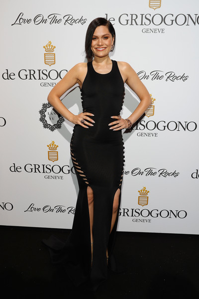 Jessie J put on a curvy display at the De Grisogono Love on the Rocks party in a black Hamel dress with side cutouts and double slits.