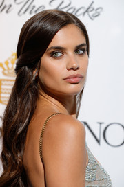 Sara Sampaio wore a fairytale-inspired half-up 'do at the De Grisogono Love on the Rocks party.