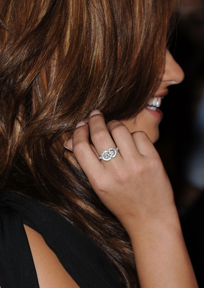 Demi Lovato Diamond Ring [hair,hairstyle,ring,beauty,brown hair,nail,finger,blond,hand,engagement ring,demi lovato,arcade boutique,west hollywood,california,the london hotel,arcade boutiques autumn party benefiting childrens institute - arrivals,the autumn party]