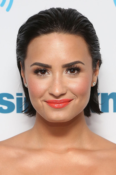 Demi Lovato Short Straight Cut