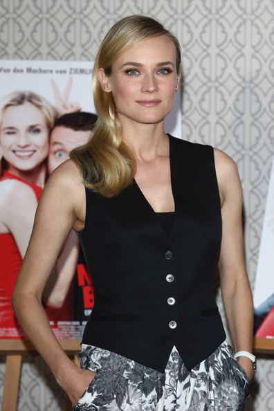 More Pics of Diane Kruger Long Side Part (3 of 32) - Diane Kruger Lookbook - StyleBistro