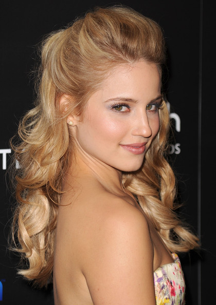dianna agron and alex pettyfer kissing. +and+dianna+agron+kiss