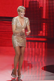 Helene Fischer glimmered from head to toe in her sequined dress and silver platform pumps.