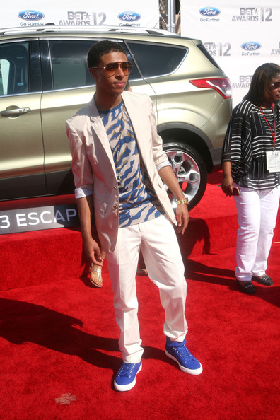 Diggy Simmons Blazer [ford escape on the red carpet,red carpet,carpet,car,vehicle,flooring,sport utility vehicle,automotive design,auto show,subcompact car,hatchback,diggy,bet awards,2012 bet awards,california,los angeles,the shrine auditorium]