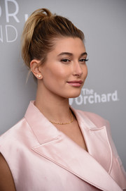 Hailey Baldwin swept her hair up into a high ponytail for the 'Dior and I' premiere.