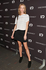 An oversized striped tee gave Caroline Winberg a casual, relaxed look at the NYC screening of 'Disconnect.'