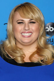 Rebel Wilson's signature blonde locks shined in the spotlight.