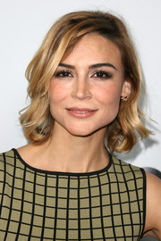 Samaire Armstrong showed off a sweet short wavy hairstyle at the Disney ABC Television Group's 2014 Winter TCA party.