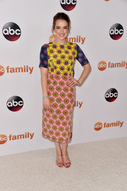 Elizabeth Henstridge looked dynamite at the Disney Group's Summer TCA Press Tour in a House of Holland floral dress featuring an exciting mix of contrasting colors.