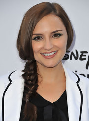 Rachael Leigh Cook chose a classic side braid for her fun and flirty look at the Disney Media Upfronts.