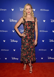Emily Blunt looked very girly in a rose-print midi dress by Dolce & Gabbana during Disney's D23 Expo 2017.
