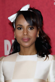 Kerry kept her look au naturale for the 'Django Unchained'photocall, letting her accessories take center stage.