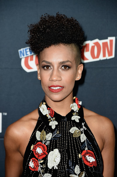 Dominique Tipper Short Curls [hair,hairstyle,beauty,black hair,lip,forehead,fashion,croydon facelift,eyelash,pixie cut,dominique tipper,expanese,photo op,new york city,new york comic con]