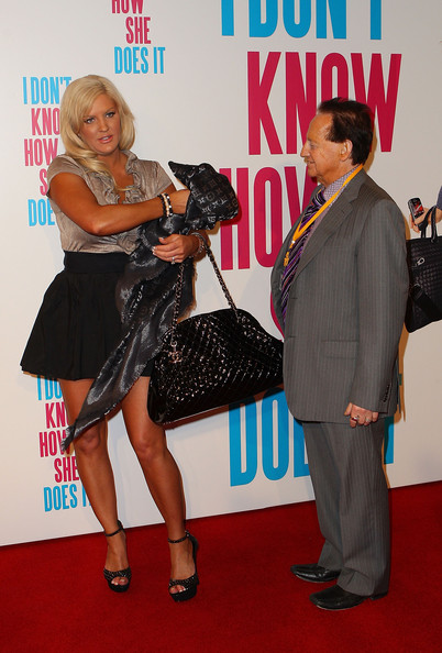 More Pics of Brynne Edelsten Mini Skirt (3 of 4) - Brynne Edelsten Lookbook - StyleBistro