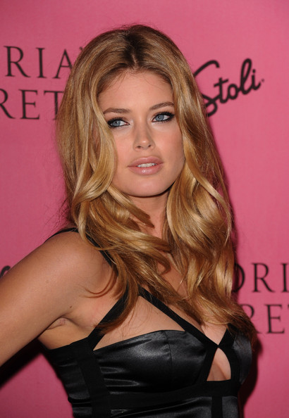 Victoria's Secret Supermodel Doutzen Kroes arrives at the reveal of