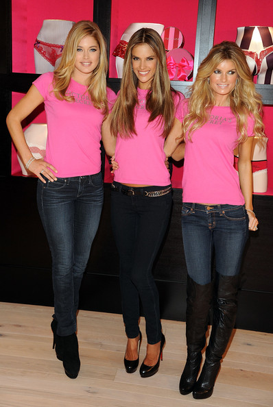 Holiday Shopping With The  Victoria's Secret Supermodels