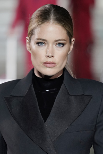 Doutzen Kroes Ponytail [hair,face,lip,eyebrow,hairstyle,fashion,beauty,fashion model,blond,chin,luisaviaroma 90th anniversary show,pitti immagine uomo,cr runway,luisaviaroma cr runway,italy,florence,doutzen kroes,ermanno scervino]