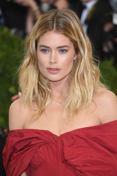 Doutzen Kroes Medium Wavy Cut