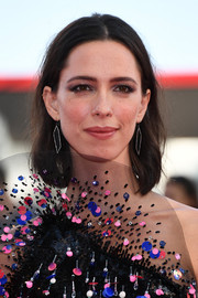 Rebecca Hall attended the Venice Film Festival opening ceremony sporting a casual center-parted bob.